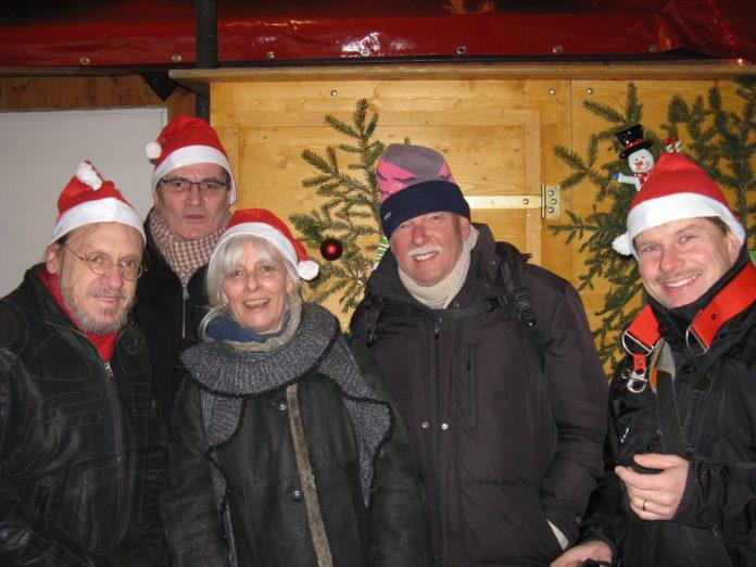 TELI-Treffen am Haidhauser Christkindelsmarkt 2016 in München. Von links: Klaus Wagner, Arno Kral, Silvia Stettmayer, Friedrich Münzel, Peter Knoll. © Wolfgang Gode.